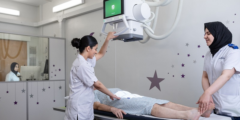 Studying at radiography at the university of leeds is a challenging but rewarding experience. Our course ensures that you graduate with clinical placement experience and you will be qualified to practice.