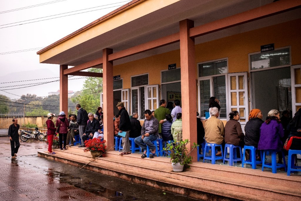 Patients waiting at a clinic in Hoa Binh City in Northern Vietnam © World Health Organization/Sebastian Liste/2018