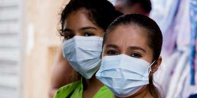 medical staff wearing surgical masks